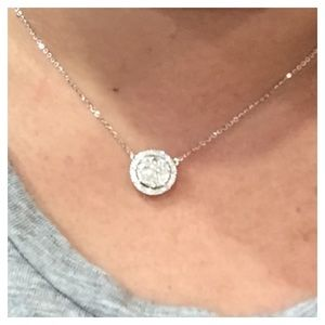 Jewelry - Diamond necklace in white gold